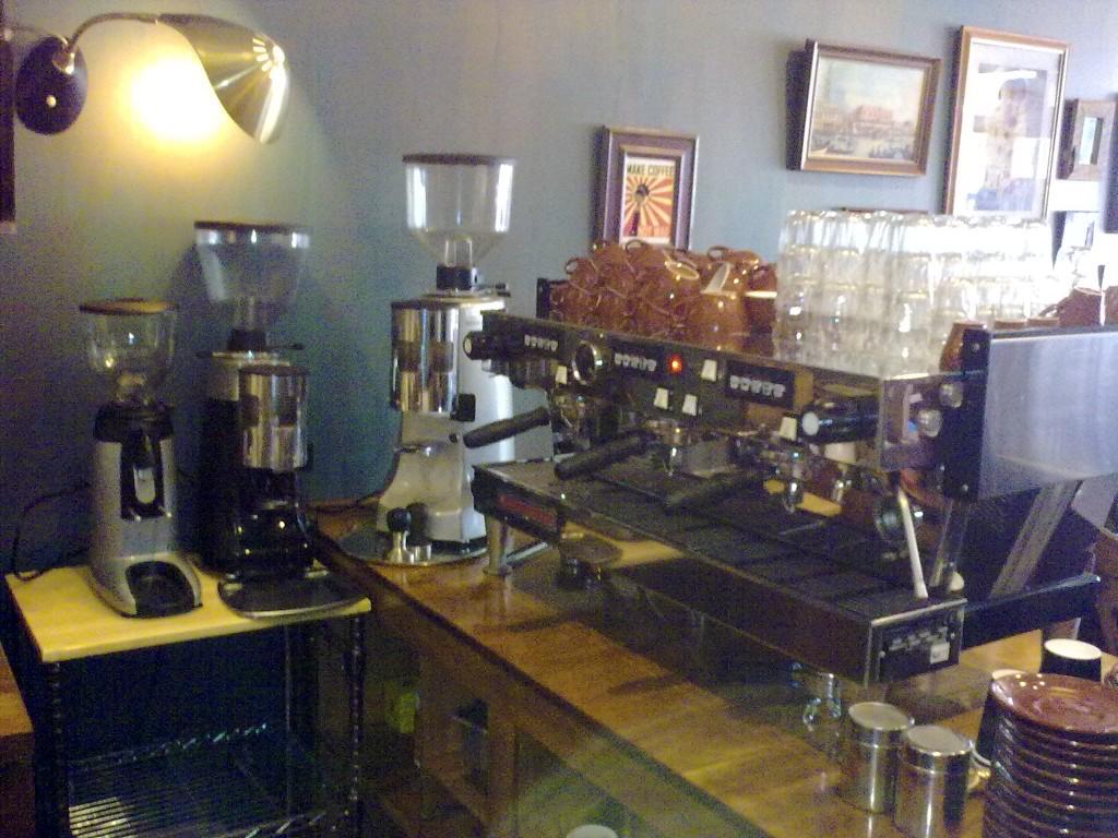 Coffeesnobs Autos Post
