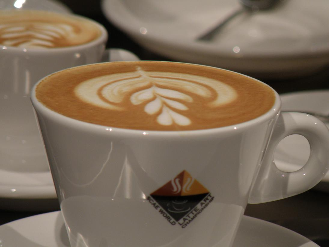 coffeesnobs.com.au/attachments/scae09-Erin-LatteComp05.JPG